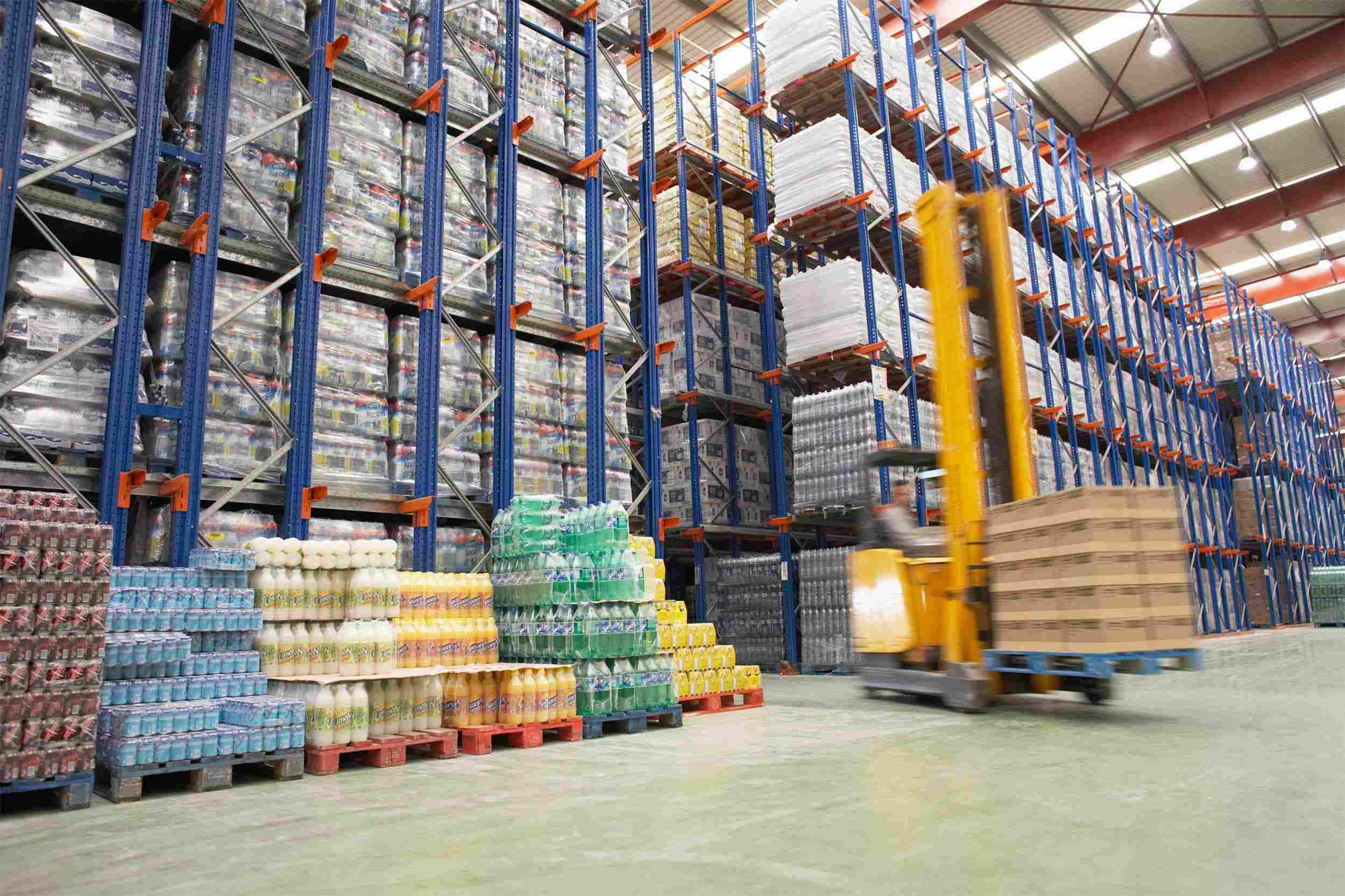 http://pfmireland.com/wp-content/uploads/2015/09/Warehouse-and-lifter.jpg